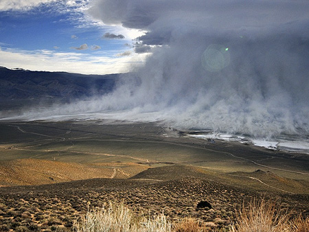Ownes_Lake_-_Dust_storm